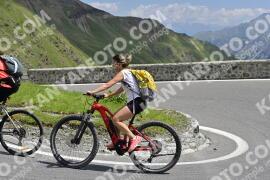 Photo #1589432 | 23-07-2021 12:31 | Passo Dello Stelvio - Prato side BICYCLES