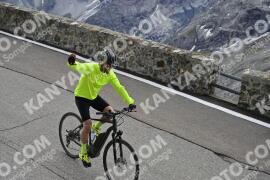 Photo #1501124   09-07-2021 10:04   Passo Dello Stelvio - Prato side BICYCLES
