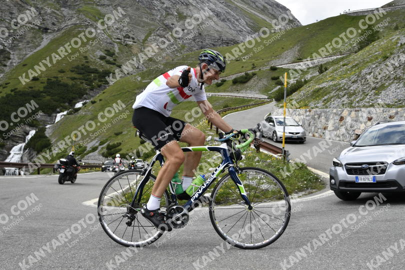 Photo #734399 | 21-07-2019 15:22 | Passo Dello Stelvio - Waterfall BICYCLE riders