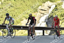 Photo #1185781 | 20-08-2020 09:34 | Passo Dello Stelvio - Waterfall BICYCLE riders