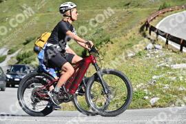 Photo #1212636   25-08-2020 10:19   Passo Dello Stelvio - Waterfall BICYCLE riders