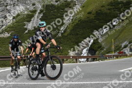 Photo #1819137   23-08-2021 10:06   Passo Dello Stelvio - Waterfall BICYCLE riders