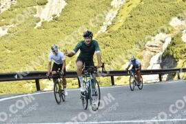 Photo #1787100 | 21-08-2021 09:33 | Passo Dello Stelvio - Waterfall BICYCLE riders