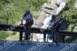 Photo #1050651 | 23-07-2020 09:16 | Passo Dello Stelvio - Waterfall BICYCLE riders