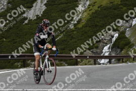 Photo #1845385 | 30-08-2021 10:26 | Passo Dello Stelvio - Waterfall BICYCLE riders