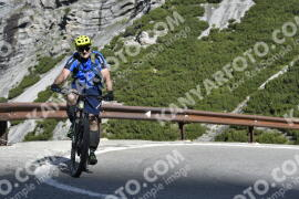 Photo #1020498 | 18-07-2020 09:29 | Passo Dello Stelvio - Waterfall BICYCLE riders