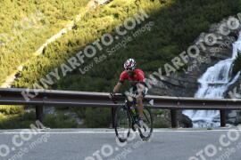 Photo #1517770   10-07-2021 08:56   Passo Dello Stelvio - Waterfall BICYCLE riders