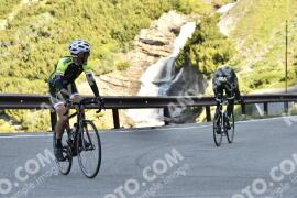 Photo #1517799   10-07-2021 09:10   Passo Dello Stelvio - Waterfall BICYCLE riders