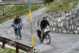 Photo #1648862 | 05-08-2021 09:35 | Passo Dello Stelvio - Waterfall BICYCLE riders