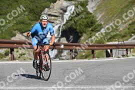 Photo #1862543   02-09-2021 10:13   Passo Dello Stelvio - Waterfall BICYCLE riders