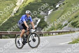 Photo #1607683 | 25-07-2021 08:58 | Passo Dello Stelvio - Waterfall BICYCLE riders