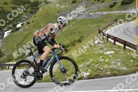 Photo #1756128   18-08-2021 09:34   Passo Dello Stelvio - Waterfall BICYCLE riders