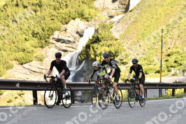 Photo #1478476 | 04-07-2021 09:09 | Passo Dello Stelvio - Waterfall BICYCLE riders