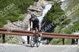 Photo #996456 | 06-07-2020 10:03 | Passo Dello Stelvio - Waterfall BICYCLE riders