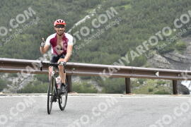Photo #1594425   24-07-2021 09:17   Passo Dello Stelvio - Waterfall BICYCLE riders