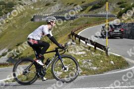 Photo #1922225   09-09-2021 10:10   Passo Dello Stelvio - Waterfall BICYCLE riders