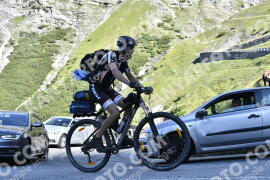 Photo #1691690   10-08-2021 09:44   Passo Dello Stelvio - Waterfall BICYCLE riders