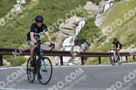 Photo #1874676 | 03-09-2021 10:34 | Passo Dello Stelvio - Waterfall BICYCLE riders