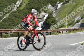 Photo #1586002 | 23-07-2021 09:46 | Passo Dello Stelvio - Waterfall BICYCLE riders