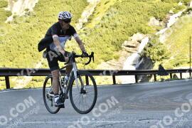 Photo #1653044   06-08-2021 09:24   Passo Dello Stelvio - Waterfall BICYCLE riders