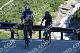 Photo #1050654 | 23-07-2020 09:16 | Passo Dello Stelvio - Waterfall BICYCLE riders