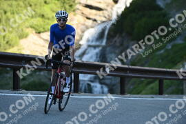Photo #1078037 | 28-07-2020 09:08 | Passo Dello Stelvio - Waterfall BICYCLE riders