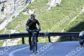Photo #1669083 | 07-08-2021 09:05 | Passo Dello Stelvio - Waterfall BICYCLE riders