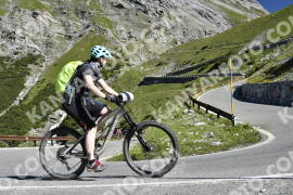 Photo #1034908 | 19-07-2020 09:47 | Passo Dello Stelvio - Waterfall BICYCLE riders