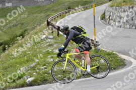 Photo #1607661 | 25-07-2021 08:51 | Passo Dello Stelvio - Waterfall BICYCLE riders