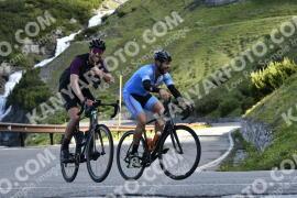 Photo #976655 | 04-07-2020 09:15 | Passo Dello Stelvio - Waterfall BICYCLE riders