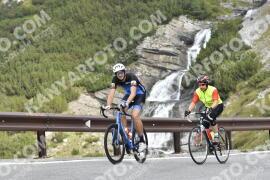 Photo #1937220 | 11-09-2021 09:29 | Passo Dello Stelvio - Waterfall BICYCLE riders