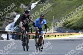 Photo #976649 | 04-07-2020 09:15 | Passo Dello Stelvio - Waterfall BICYCLE riders