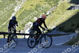 Photo #1230974 | 03-09-2020 09:24 | Passo Dello Stelvio - Waterfall BICYCLE riders