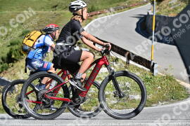Photo #1212637 | 25-08-2020 10:19 | Passo Dello Stelvio - Waterfall BICYCLE riders