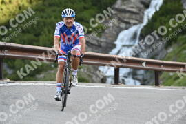 Photo #1052445 | 25-07-2020 09:00 | Passo Dello Stelvio - Waterfall BICYCLE riders