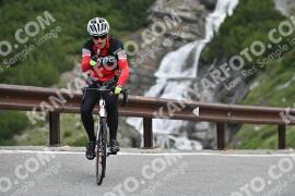 Photo #1075636 | 27-07-2020 09:27 | Passo Dello Stelvio - Waterfall BICYCLE riders