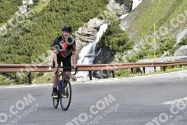 Photo #1482528   05-07-2021 09:18   Passo Dello Stelvio - Waterfall BICYCLE riders