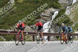 Photo #1843437 | 29-08-2021 10:08 | Passo Dello Stelvio - Waterfall BICYCLE riders