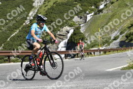 Photo #1571960 | 21-07-2021 09:50 | Passo Dello Stelvio - Waterfall BICYCLE riders