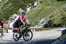 Photo #1492850 | 06-07-2021 09:22 | Passo Dello Stelvio - Waterfall BICYCLE riders