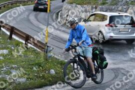 Photo #1703531   11-08-2021 09:12   Passo Dello Stelvio - Waterfall BICYCLE riders