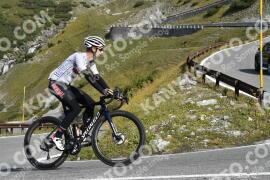 Photo #1922224   09-09-2021 10:10   Passo Dello Stelvio - Waterfall BICYCLE riders