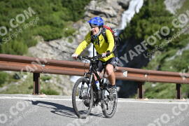 Photo #1029700 | 18-07-2020 09:31 | Passo Dello Stelvio - Waterfall BICYCLE riders