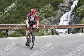 Photo #1540154 | 17-07-2021 09:26 | Passo Dello Stelvio - Waterfall BICYCLE riders