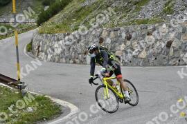 Photo #1607659 | 25-07-2021 08:51 | Passo Dello Stelvio - Waterfall BICYCLE riders