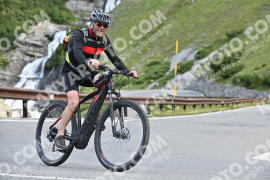 Photo #1046853 | 22-07-2020 09:25 | Passo Dello Stelvio - Waterfall BICYCLE riders