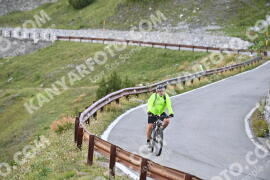 Photo #1115443 | 07-08-2020 09:19 | Passo Dello Stelvio - Waterfall BICYCLE riders
