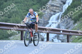 Photo #1087404 | 30-07-2020 08:49 | Passo Dello Stelvio - Waterfall BICYCLE riders