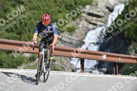 Photo #1046875 | 22-07-2020 09:35 | Passo Dello Stelvio - Waterfall BICYCLE riders