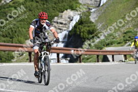 Photo #1029695 | 18-07-2020 09:30 | Passo Dello Stelvio - Waterfall BICYCLE riders